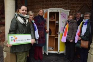 Nieuwe weggeefkast aan Baljuwhuis ondersteunt de 'deeleconomie'