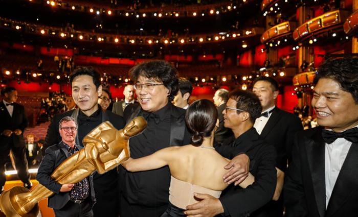 """Jan Verheyen over de Oscars: """"Parasite groeide in de polls en werd de surprise van de avond"""""""