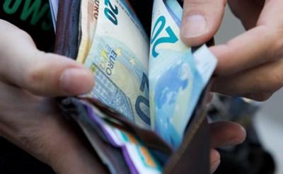 """Belg bezit gemiddeld 93.000 euro, ondanks tegenvallende spaarboekrente: """"Anders waren we nog stuk rijker"""""""