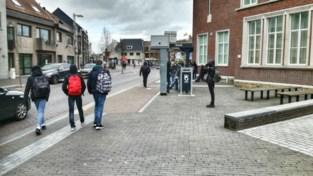 Politie strijdt tegen hangjongeren: 2.000 scholieren krijgen brief met richtlijnen
