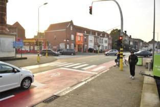 Fietsers krijgen eigen verkeerslicht aan Pirroen en aan Molecule