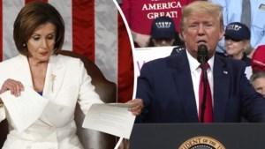 """Donald Trump neemt rivale Nancy Pelosi op de korrel tijdens eerste speech sinds vrijspraak: """"Er was boosheid achter mijn rug"""""""