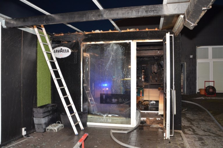 Uitslaande brand in voormalig naaiatelier door pelletkachel