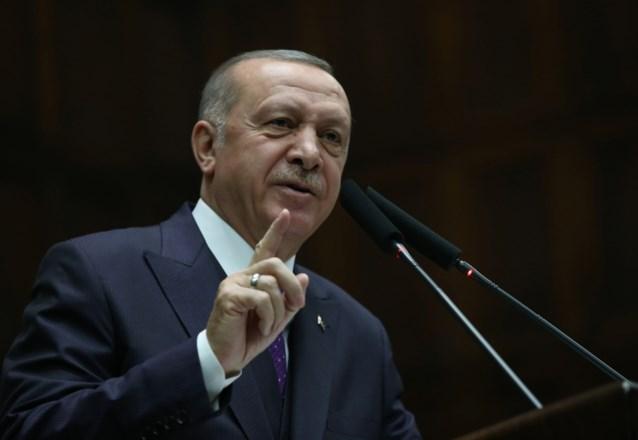 """Erdogan wil nog stap verder gaan en dreigt Syrisch regime """"overal"""" in Syrië aan te vallen"""