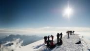 Macron wil alleen nog serieuze klimmers op Mont Blanc: toeristen namen zelfs jacuzzi mee naar boven