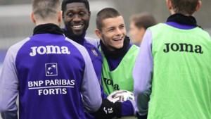 """Kevin Luckassen geeft broer Derrick goede raad: """"Als ik hem was, zou ik ook volgend seizoen bij Anderlecht blijven"""""""