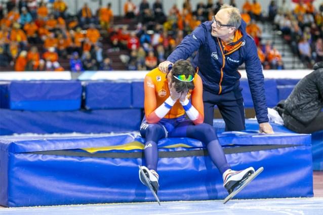 Fiasco voor Nederlandse topfavoriet op WK schaatsen: eerst instorten, nadien domme diskwalificatie