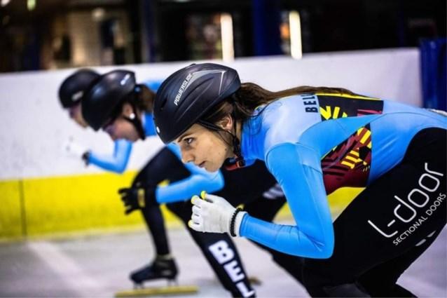 Hanne en Stijn Desmet leiden aflossingsploegen naar halve finales in WB shorttrack Dordrecht