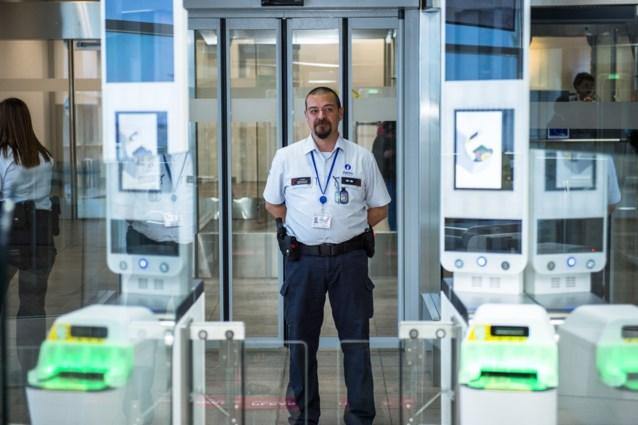 Luchthavenpolitie dreigt met staking tijdens krokusvakantie