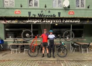 Hij fietste 30 jaar lang niet, maar nu kruipt cafébaas Arne weer op de fiets voor een loodzware tocht voor het goede doel