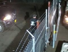 Wagen van vrouw wordt weggesleept, maar die gaat wel héél ver om haar auto terug te krijgen