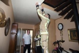 """Brandweer installeert zelf rookmelders in woonwijk na zware brand: """"Het gaat hier om veiligheid en levens"""""""