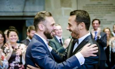 """Nick en Christophe vallen elkaar meteen in de armen in 'Blind getrouwd': """"En dan moeten jullie 's avonds al samen in bed liggen?"""""""