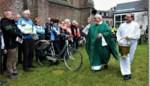 FOTO. Wielertoeristen laten hun fiets wijden