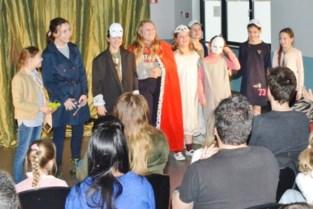 Leerlingen 'Woord' tonen hun taal- en acteertalent