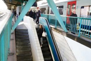 Na 47 jaar: station-Dampoort krijgt nieuwe roltrap