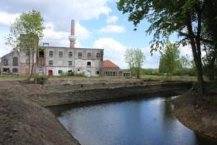 """Voormalige papierfabriek wordt omgevormd tot bedrijvenzone: """"Nieuwe invulling is goede zaak voor lokale economie"""""""
