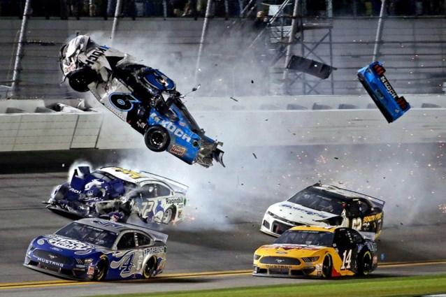 Horrorcrash in Daytona 500: op weg naar prestigieuze zege, tot hij aan 352 km/u de lucht in werd gekatapulteerd