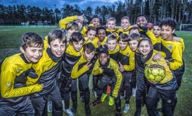 """Jonge talenten en ouders bezorgd over toekomst Lokeren: """"Faillissement zou rampzalig zijn voor jeugdspelers"""""""