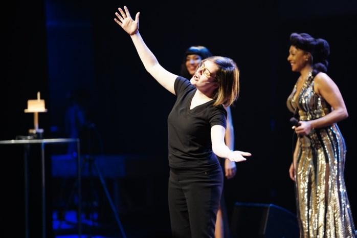 """Winnende Annelore (35) doet heel Concertgebouw zingen, inclusief uitgejouwde minister-president: """"Wij hebben de beste fans ooit"""""""