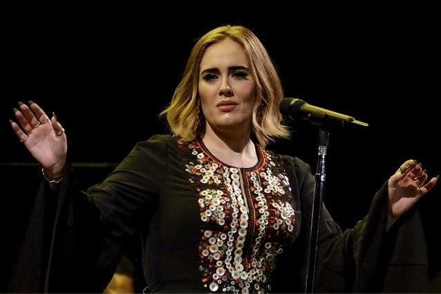 Heeft Adele verklapt wanneer ze met nieuw album komt?