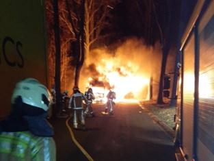 Vrachtwagenbrand wellicht aangestoken om restanten drugslab te doen verdwijnen