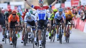 Fabio Jakobsen laat Patrick Lefevere juichen in Ronde van de Algarve