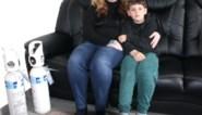 """Alleenstaande mama (28) met chronische clusterhoofdpijn zoekt steun voor laatste redmiddel: """"Bijna onmogelijk geworden om voor mijn zoontje te zorgen"""
