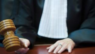 Vijf jaar cel voor man die tien kinderen erkende om moeders aan verblijfsrecht te helpen