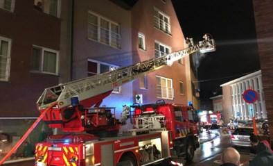 17-jarige moet op zusje (4) letten, maar vergeet frietketel: appartement brandt volledig uit