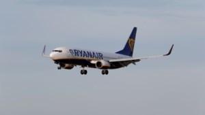 Passagiers beleven bange momenten op Ryanair-vlucht die storm Dennis trotseert