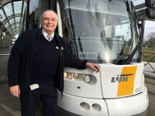 """'Voadre' Eric (66) ging twee jaar geleden op pensioen, maar zit nu opnieuw op de bestuurdersstoel: """"Ik miste de mensen én de tram"""""""