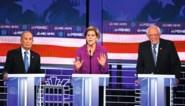 Miljardair Bloomberg maakt bijzonder slechte beurt in eerste tv-debat, Bernie Sanders lacht in zijn vuistje
