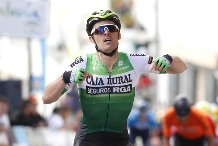 Gonzalo Serrano verrast Dylan Teuns en de andere punchers in Ruta del Sol