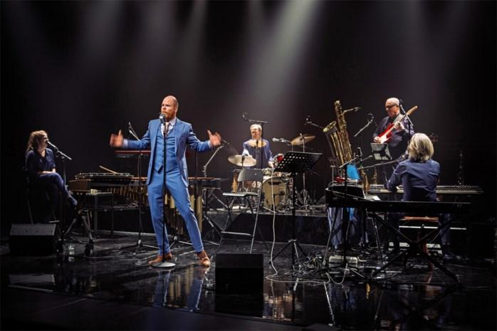 RECENSIE. 'De Woordenaar' met Bruno Vanden Broecke: Als taal een jazzinstrument wordt ****