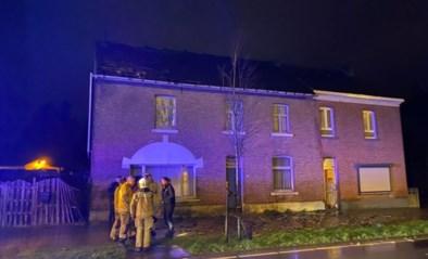 Kortstondige windhoos van amper vijf seconden veroorzaakt schade aan zevental woningen in Veldwezelt