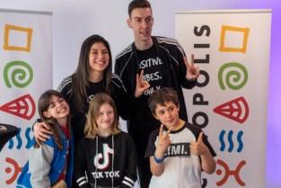 Honderden fans ontmoeten hun TikTok-helden in Technopolis