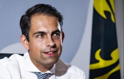 """""""Tenegatief"""" voorwoord Carl Devos geweerd uit boek Van Grieken: """"Persoonlijke afrekening met de partij"""""""