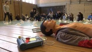 Leerlingen Virga Jessecollege Hasselt volgen hartreanimatie