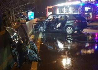 Auto geramd door vrachtwagen: Gentenaar (37) zwaargewond