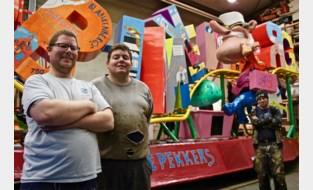 """Carnavalisten trekken provincie door met rollercoaster vol sappige anekdotes: """"Promotie voor onze badstad"""""""