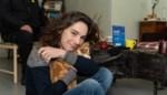 """Hanne (41) gered uit de dakloosheid: """"Overdag sliep ik in openbaar toilet en dacht: als mijn moeder me nu zou zien liggen ..."""""""