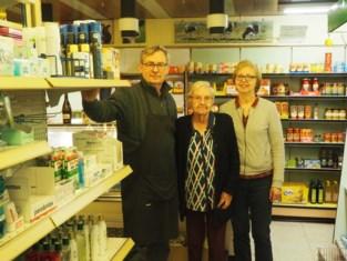 """Buurtwinkel De Corte houdt er na bijna 70 jaar mee op: """"Wij waren de eerste bol.com"""""""