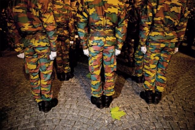 Defensie rekruteert vrouwen in winkelcentra