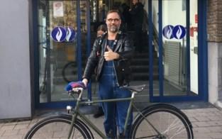 """Volkszanger Wim Claeys heeft gestolen fiets terug: """"Dankzij beste korps van het land"""""""