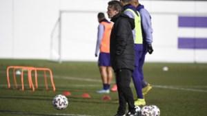 """Frank Vercauteren vreest voor nieuwkomer Jovelic tegen Eupen: """"Mezelf in de spits zetten? Dat zal niet lukken"""""""