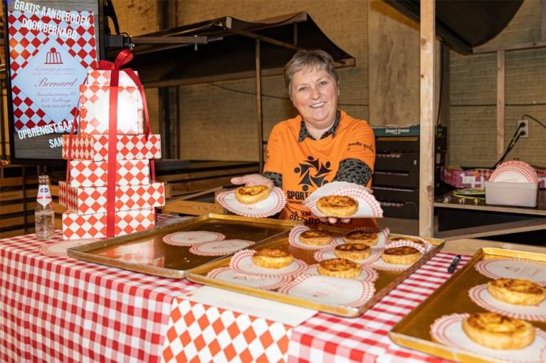 Gentbruggenaars wuiven Gentbrugge uit, met taartjes van bakker Bernard
