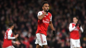 Arsenal verslaat Everton in belangrijk duel om Europese tickets: Pierre-Emerick Aubameyang is grote held met 2 goals