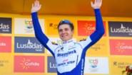 """Eerst even genieten, maar Remco Evenepoel denkt al aan zijn volgende doelen: """"Hij wil de roze trui dragen in de Giro"""""""