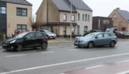 Een gewonde bij botsing met drie wagens